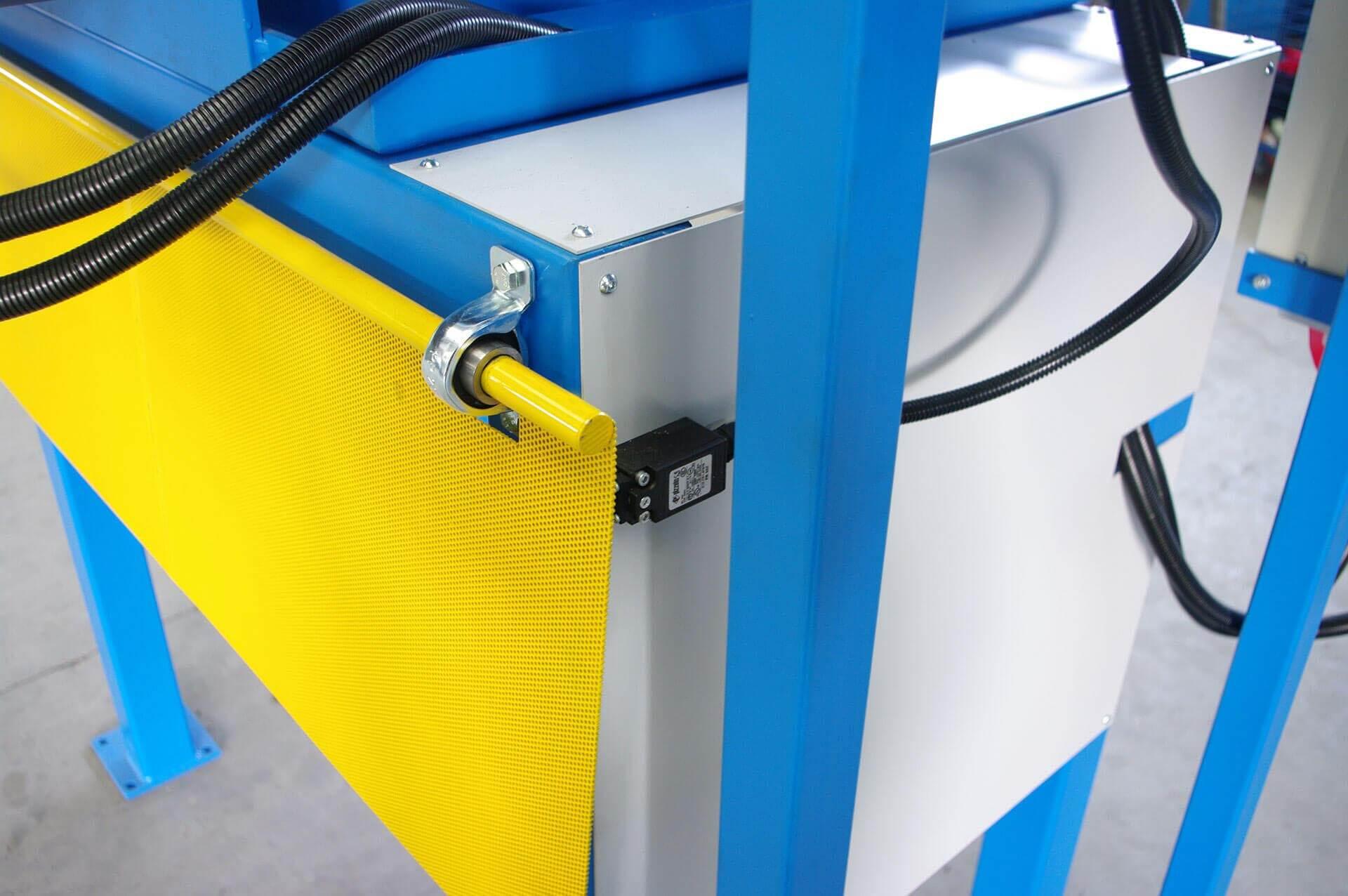 CMA - Costruzioni Meccaniche - macchinari per la lavorazione di vestiti usati
